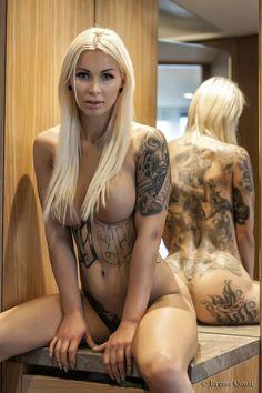 Hot tattooed lesbians squirt
