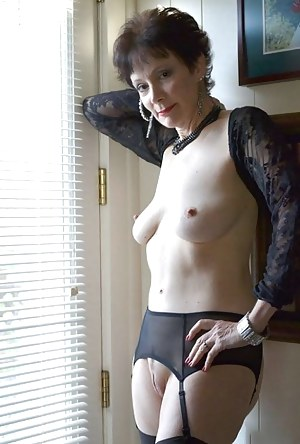 Uk mature shaved or hairy pussy