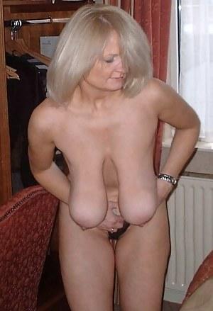 Hot porn boobs girl bigbra tight bra shirt tits