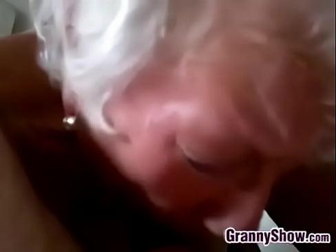 Finger fucking shaved pussy zmut