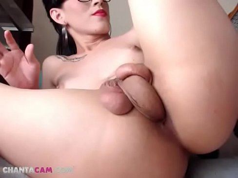 Shemale cums in her own mouth