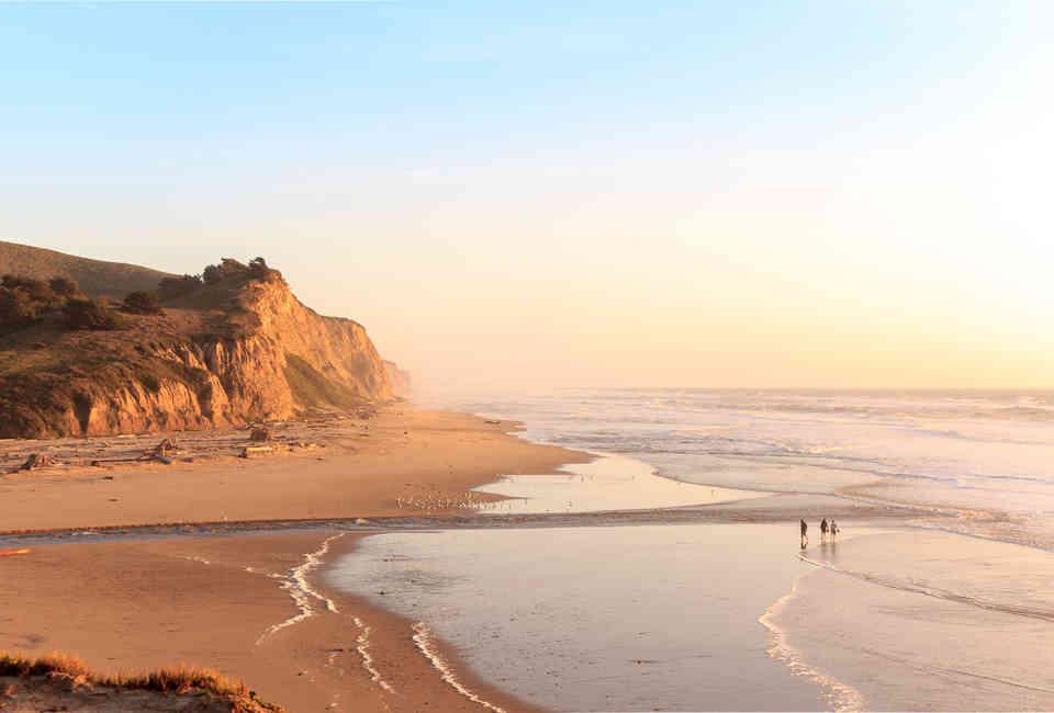 Amateur milf beach photos