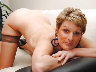 Une ravissante parisienne passe son premier casting porno