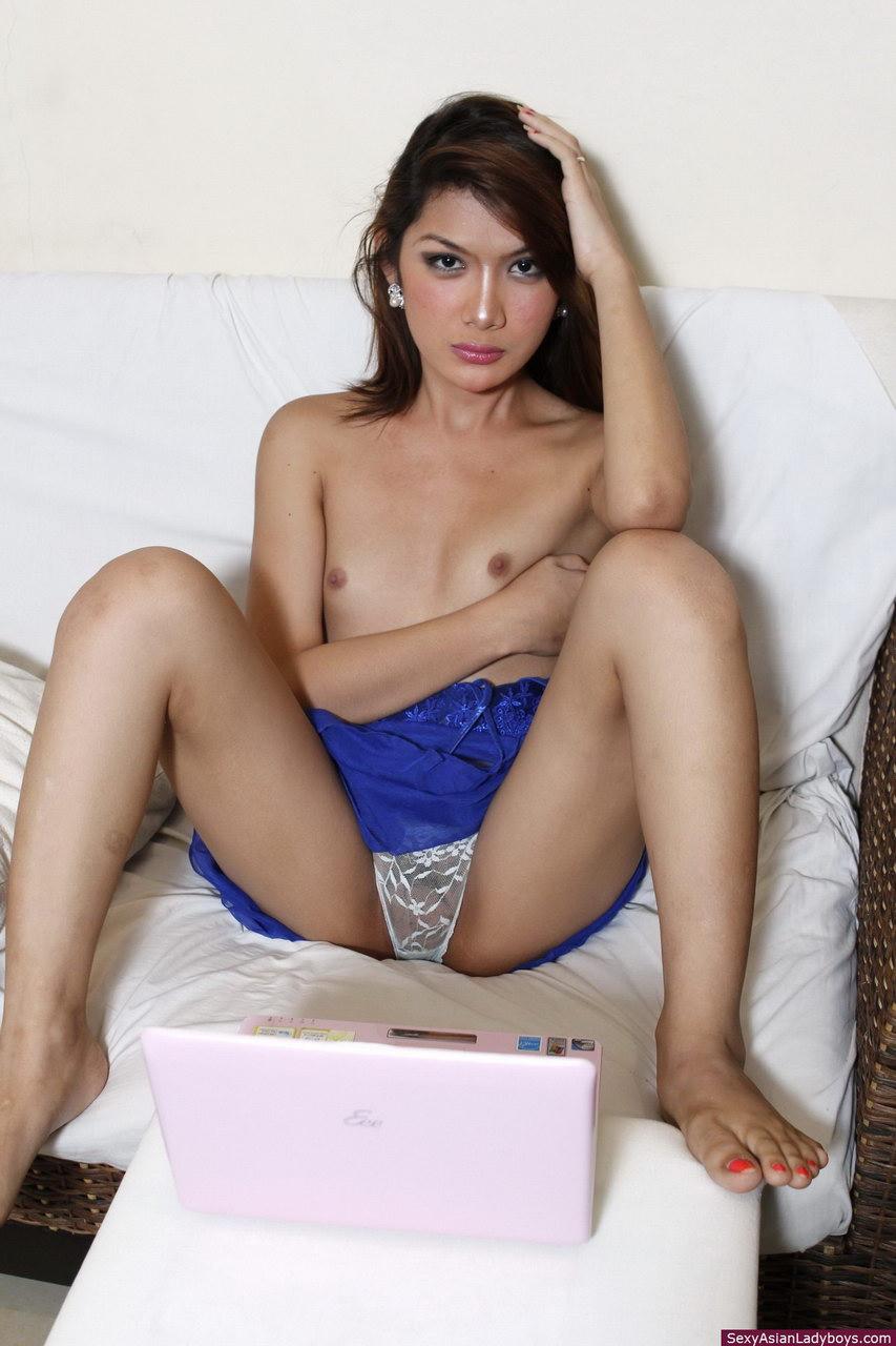 Sexy danika mori play in live show