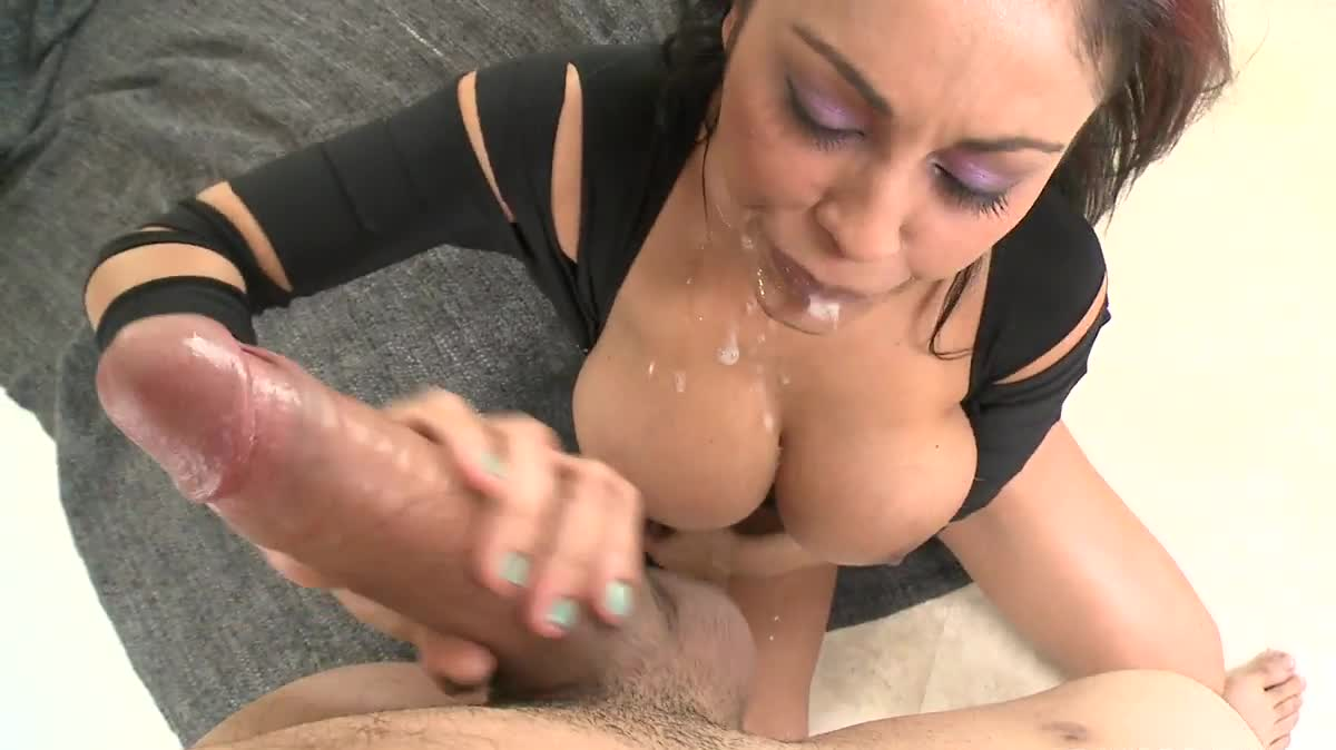 Gangsta bitch fucked in pussy phatass ebony big and onion