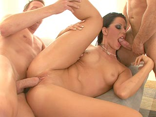 kendra lust friends hot mom
